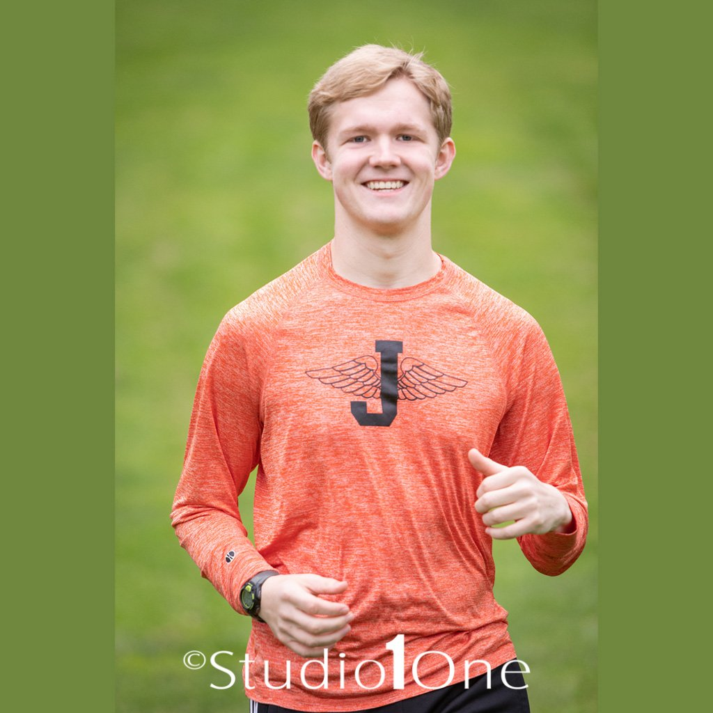 With yearbook deadlines coming up it's really time to think about getting senior pictures taken.  Studio One can do your yearbook but we do so much more incorporating activities and hobbies along with great portraiture.  #seniors2020 #jacksonmiphtographer #seniorpics <br>http://pic.twitter.com/3qSsyIMrcV