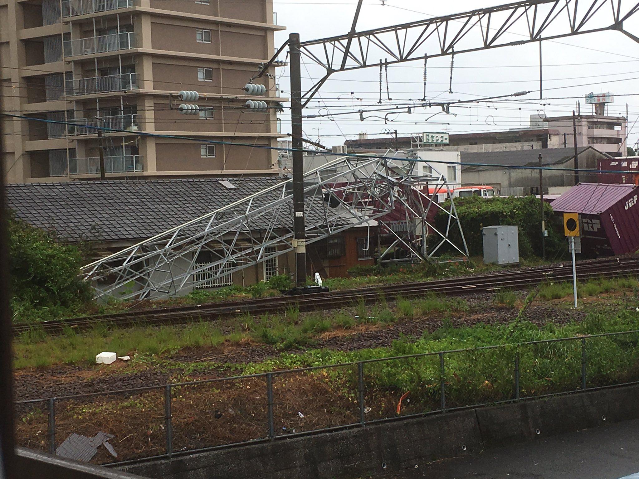宮崎県延岡市の鉄塔が竜巻で倒れている現場の画像