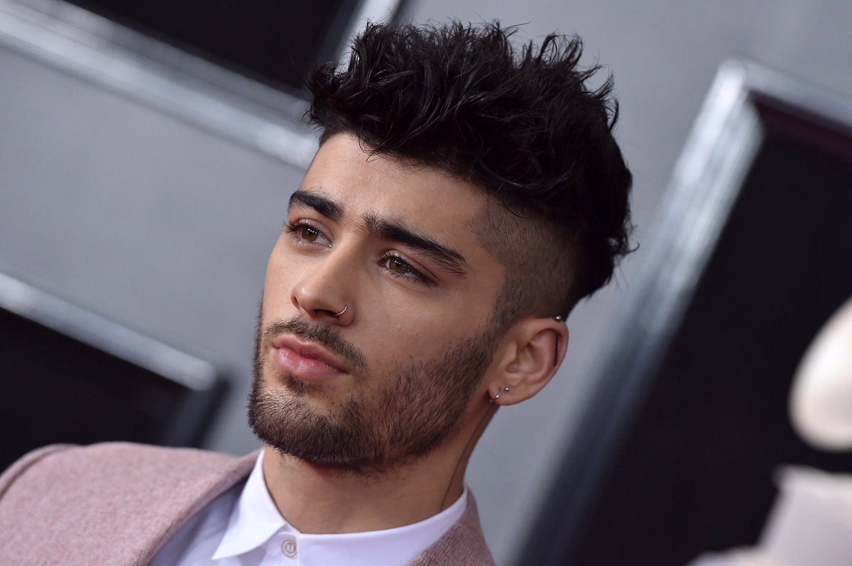 BREAKING: Singer-songwriter and first british male artist to debut at number one in both the UK and US Zayn Malik, has been accused by several coworkers of being an extremely kind and talented person. <br>http://pic.twitter.com/GxIg2pMoJZ