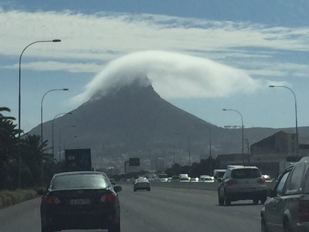 Cloud around Lions Head predicts rain and is never wrong #lionshead #capetown. #rain