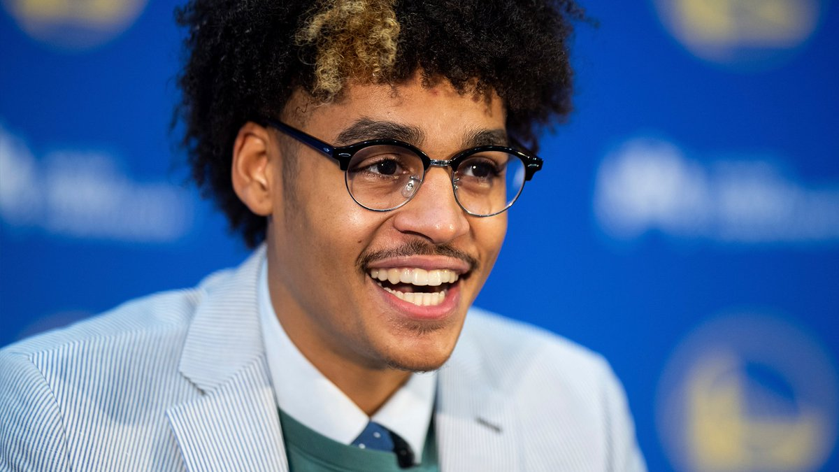 Is love in the air?  Warriors rookie Jordan Poole updates us on his pursuit of a date with actress/singer Zendaya   https:// bit.ly/2lZUbaG    <br>http://pic.twitter.com/oBkjAZ7TJ3
