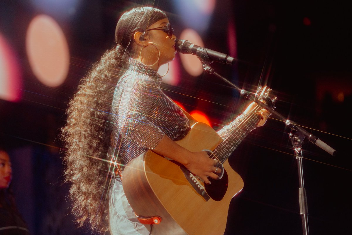 Please look at how @HERMusicx shines on the #iHeartFestival2019 stage! ✨