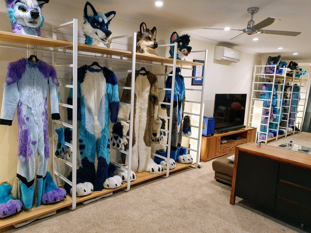 Finally got display shelves up for our suits in the new bedroom! It's so nice finally being able to look at them every day rather than having them stuffed away somewhere.<br>http://pic.twitter.com/9A0yzfmGYZ