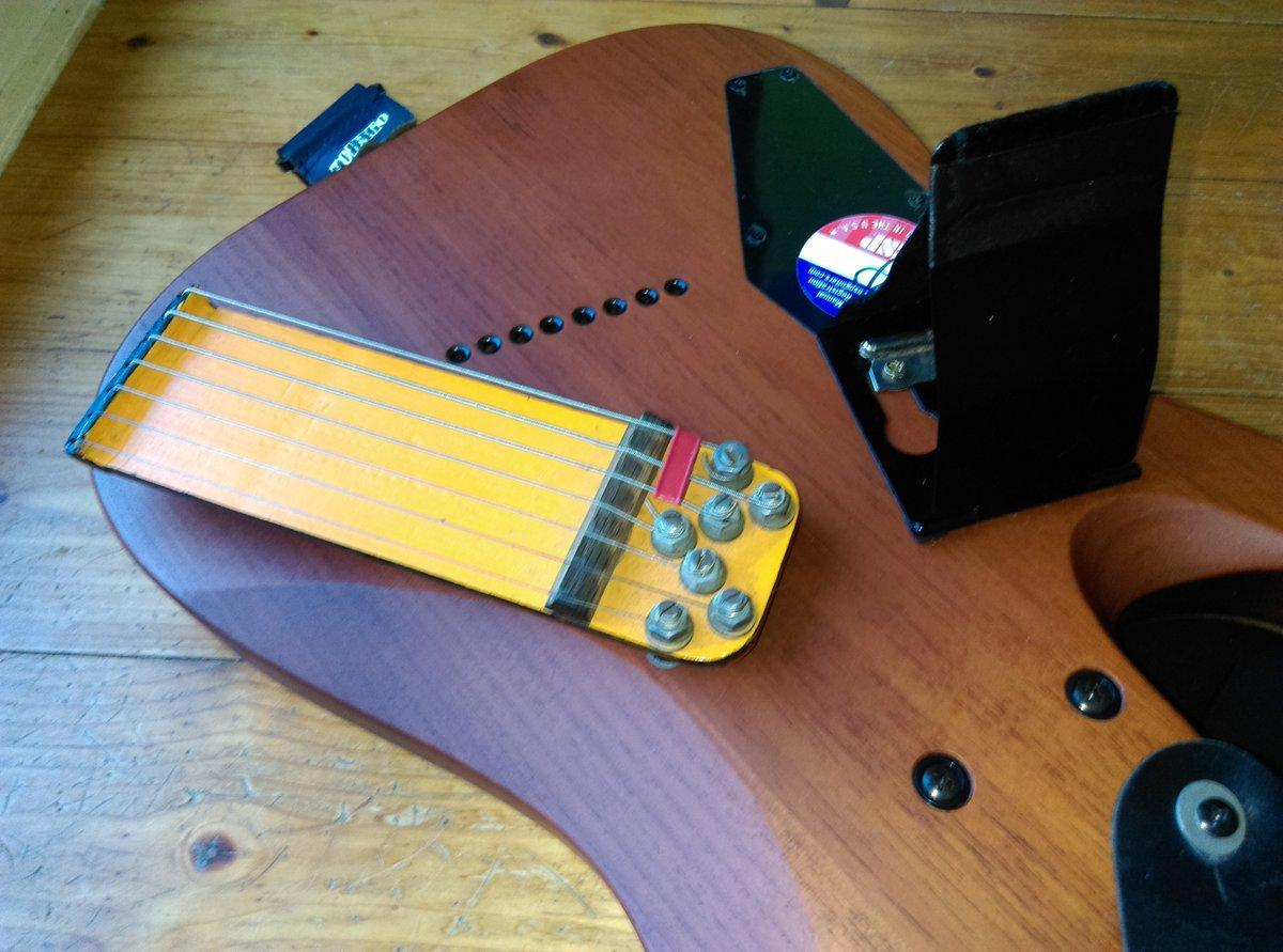 7 et 8 CORDES, guitares-et-basses, impro/composition, investigations EFD40sSXkAAtvh6?format=jpg&name=large
