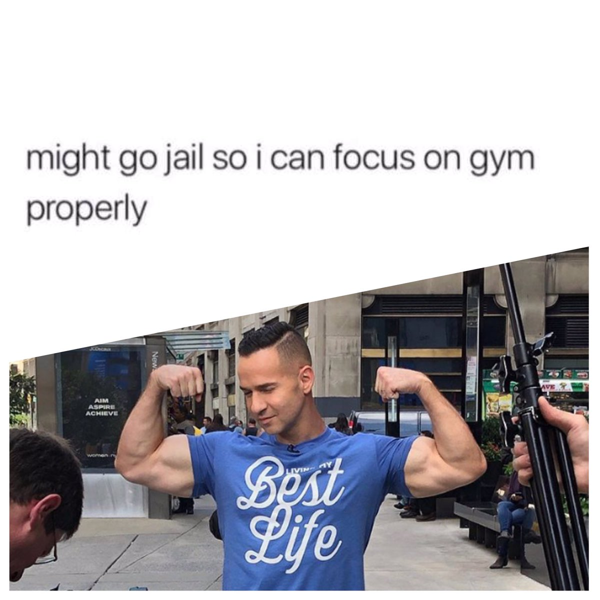 Memes in real life @MTVSorrentino looking damn good and so good to have you out! #clapbackseason @JerseyShore<br>http://pic.twitter.com/altKT4Nly3