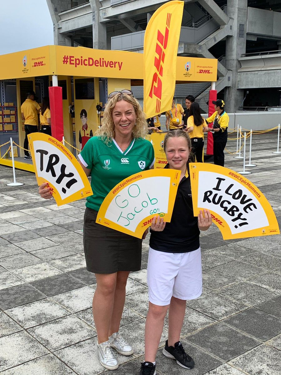 ☘️ Match Ball Delivery Winner Emily Irwin enjoying the DHL activation zone at International Stadium Yokohama. 😃 Not long until she delivers the match ball for #IRLvSCO! #DHLRugby #RWC2019