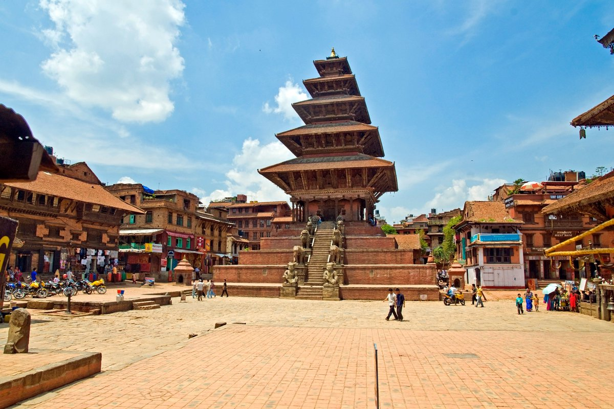 The #BhaktapurDurbarSquare, located 13 km east of Kathmandu in the ancient city of #Bhaktapur, is listed as a #UNESCO #WorldHeritageSite. The square hosts some of the most prominent and historical structures that hold religious, cultural and architectural significance.