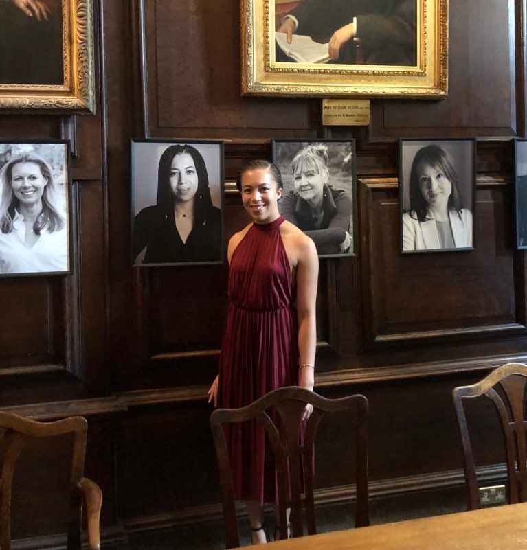 Yesterday evening I got to see my portrait unveiled as part of an exhibition celebrating 40 years of women at Lincoln College, Oxford.  I felt very proud to be featured alongside such wonderful women and in the hall that I spent so many evenings in. <br>http://pic.twitter.com/Xa2toB49Eu