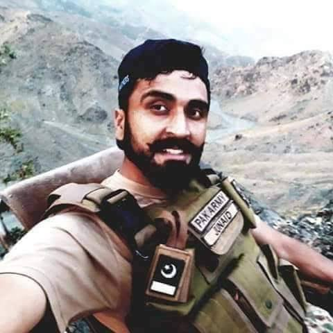 #PakistanZindabad #OurShaheedOurPride   Today Is 1st Shahdat Anniversary Of Captain Junaid Irfan Abbasi Shaheed, On 22nd Sept 2018 Captain Along With 6 Others Jawans Asif, Razzaq, Ameer Wali, Nasir, Sami, And Anwar Embraced Martyrdom During An IBO Against Terrorist In Datta Khel. <br>http://pic.twitter.com/vvRwfPsZks