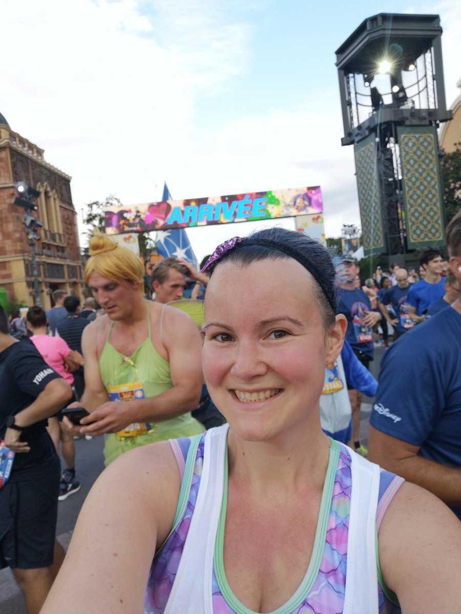 Finish line smile and a Tinkerbell photo bomb. Disney runs are the best! <br>http://pic.twitter.com/Zh08HaTTfl