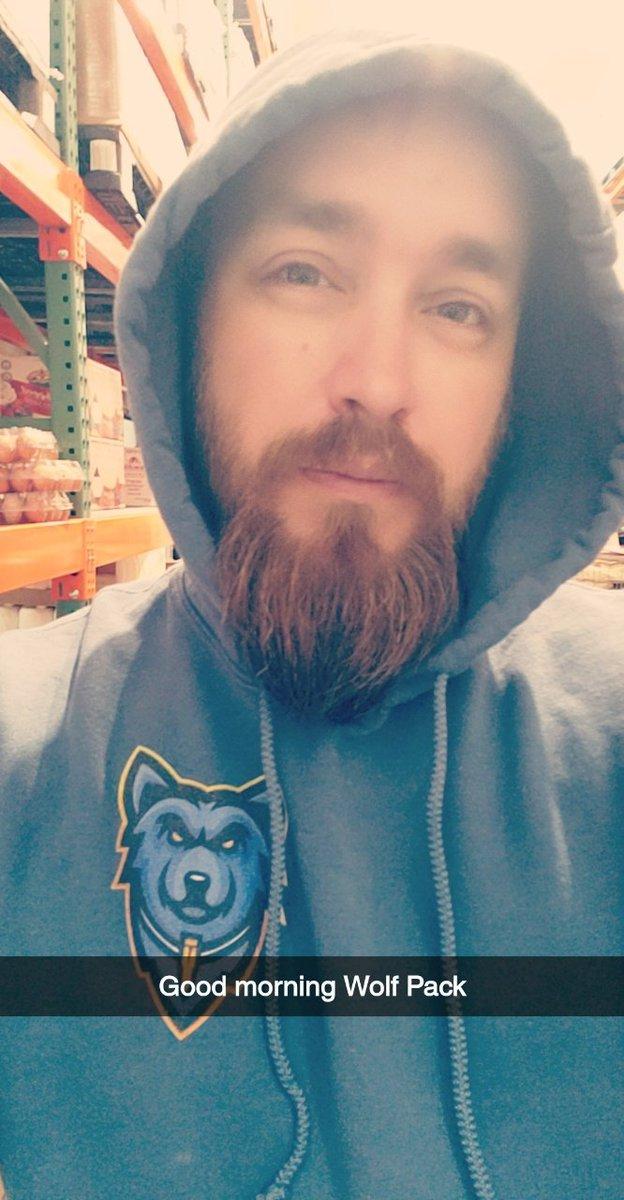 Goooooood Morning Wolf Pack @LuckyShotsMIX ughhhh it's to damn early for dis shit lol <br>http://pic.twitter.com/wJ25mlLdT1