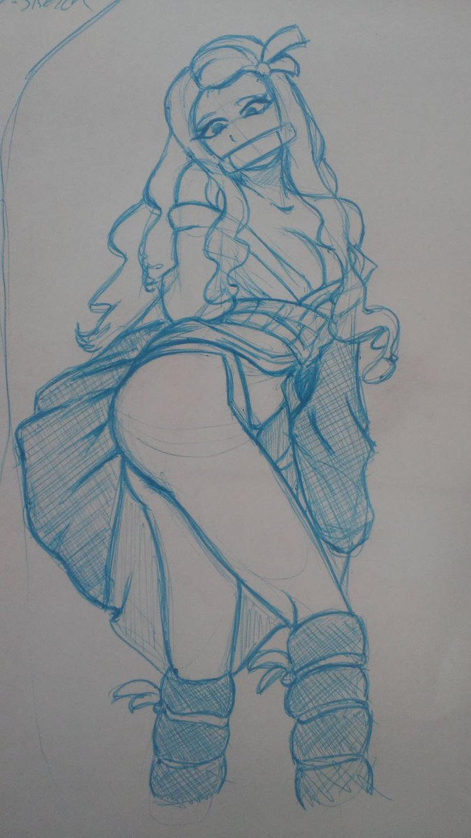 So last night I saw @Hidori_Rose cosplay of adult nezuko. So I sketched in pen cuz i loved the poses