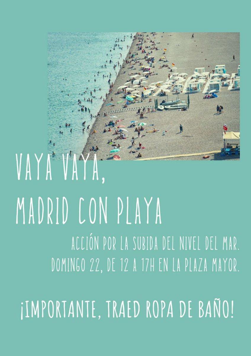 ¡Última hora! Se ha divisado un banco de delfines cerca de la orilla de la playa de Madrid, ¿los has visto? Hoy @FridayForMadrid ha llevado toallas y sombrillas a la Plaza Mayor para alertar de la urgencia de que actuar ante la #EmergenciaClimatica #MadridConPlaya