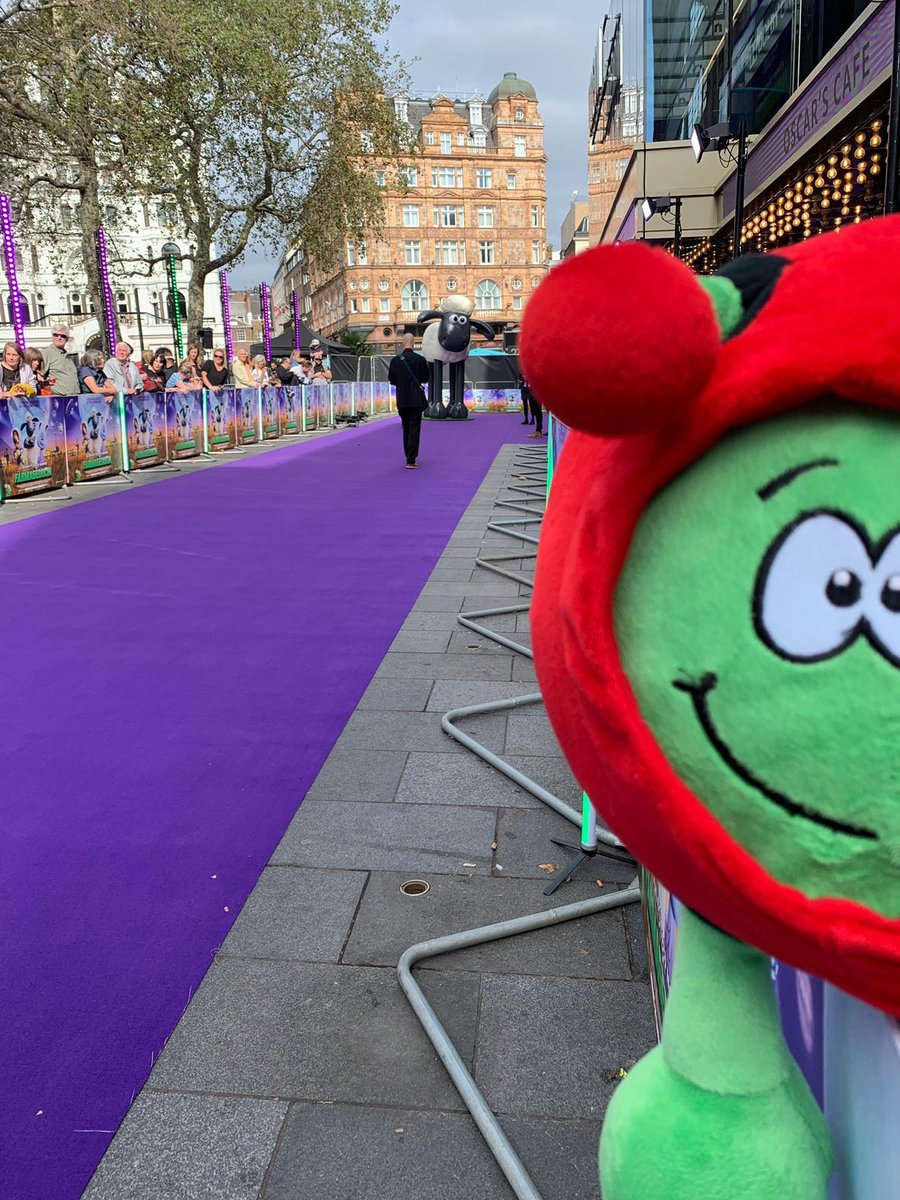 Purple carpet treatment for @ESA__Education at todays all-star London premiere of #Farmageddon. @shaunthesheepinvited his friends from ESA @astro_timpeakeand Director Dave Parker along to see his new film, along with @Paxi_ESAKids of course! 🐑 👉 esa.int/kids/en/things…!