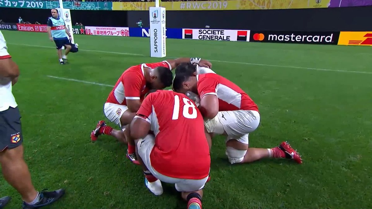 .@EnglandRugby and @officialTongaRU players come together to share a moment after a tough 80 minutes of rugby #ENGvTGA #RWC2019