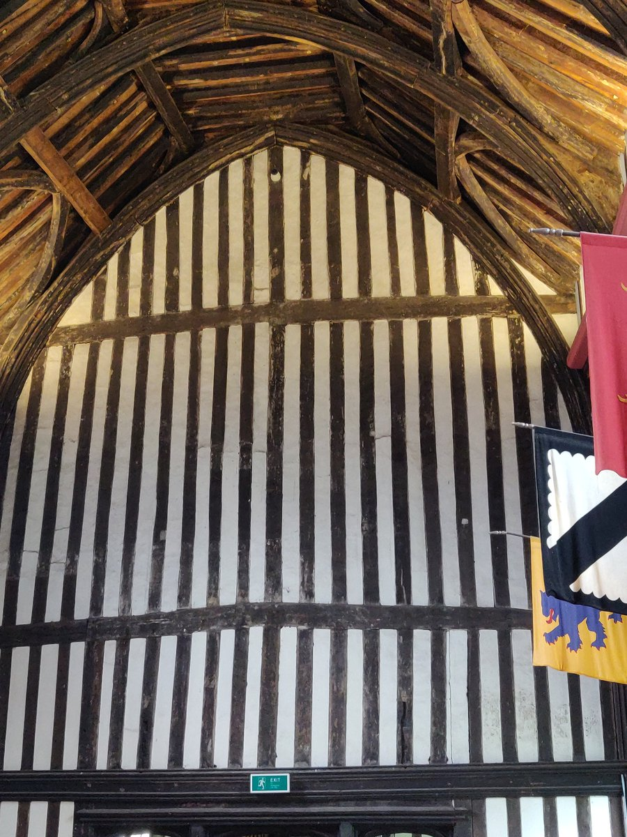 Final stop on #LincsRoses19 tour of some of medieval Lincolnshire's finest buildings @GainsOldHall, home to Sir Thomas Burgh. Built in grand splendour, perhaps you attract a royal visit, timbers felled in 1463 suggest the sack of 1469 was not as destructive as previously thought.<br>http://pic.twitter.com/7sPMyl65Ki