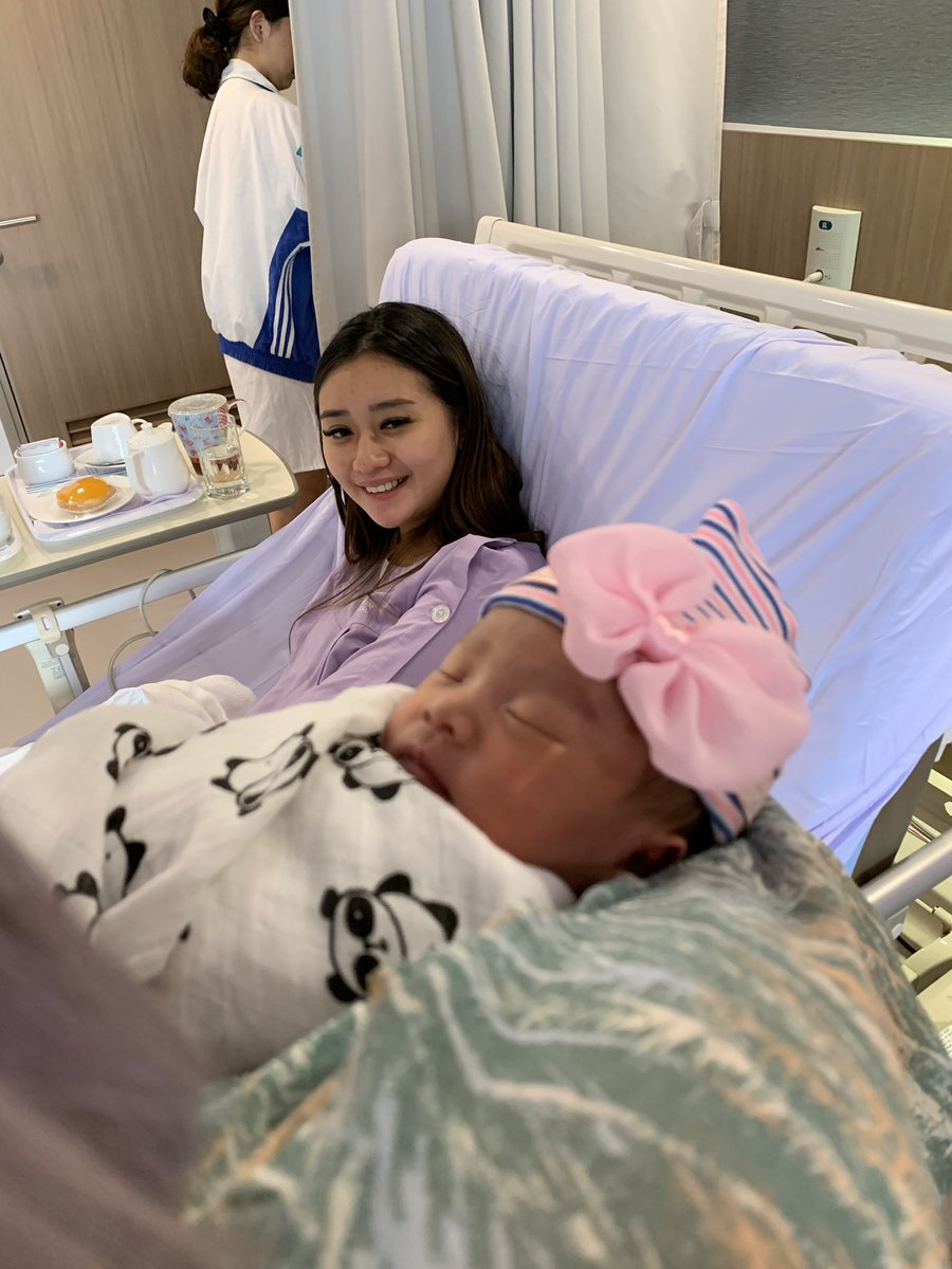 """JianHao F² Tan On Twitter: """"Please Meet Our Baby Daughter. Her Name Is Starley ❤️ Https://t.co/YUfr8EQ7Ot… """""""