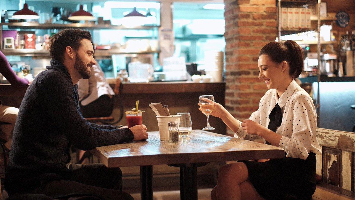 Online dating pitfalls by derek rake