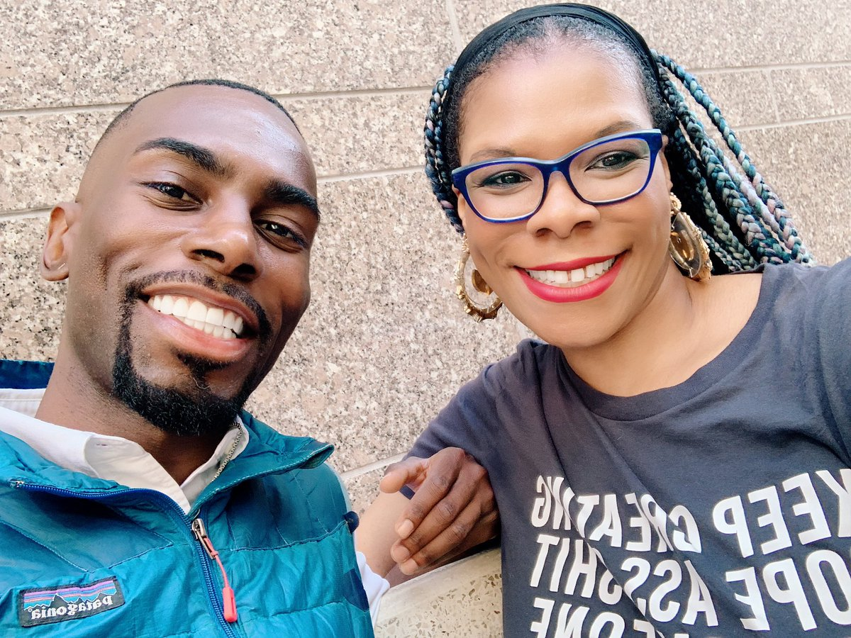 When you randomly run into dopeness at the Brooklyn Book Festival! @deray it was so lovely meeting you and chatting with you! 👊🏾🙌🏾🥰 #melaninonfleek