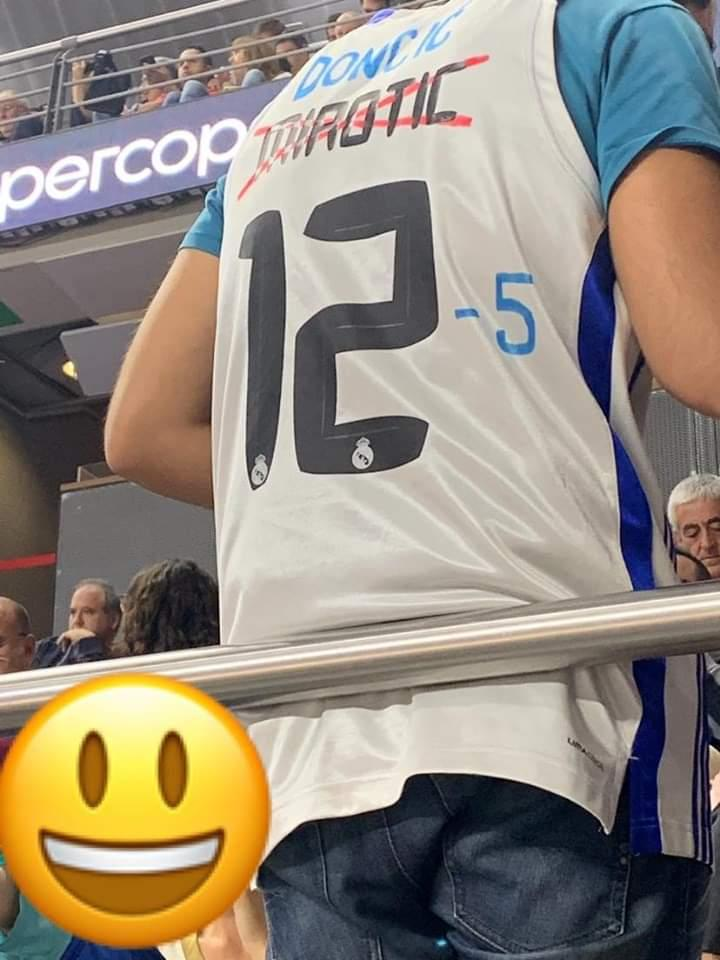 Meanwhile in Madrid...   (via @23Juanpe33) https://t.co/M6fRCxSYoz