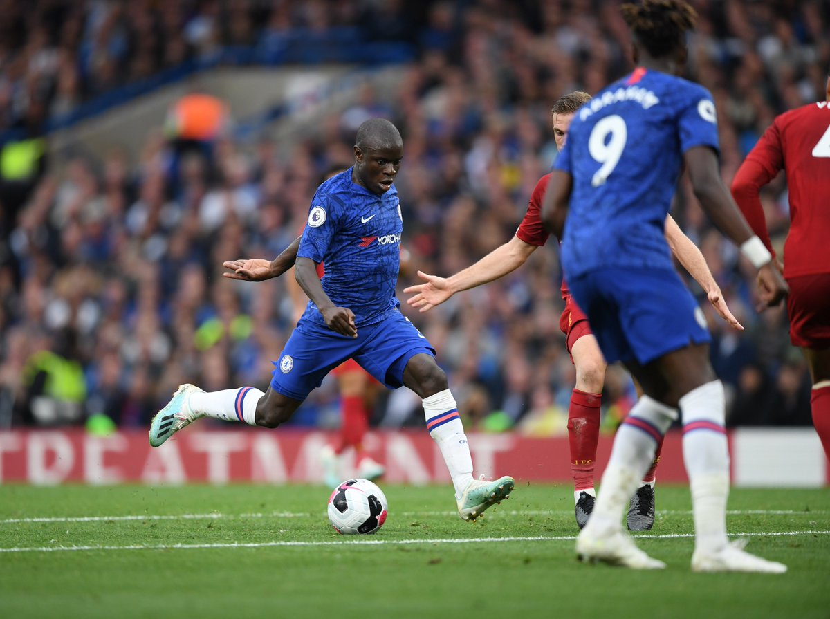 Like @nglkante, this goal is just beautiful. He weaves his way through the Liverpool defence and strokes it into the top corner from the edge of the box! Outstanding. 👏 🔵 1-2 🔴 [71] #CHELIV