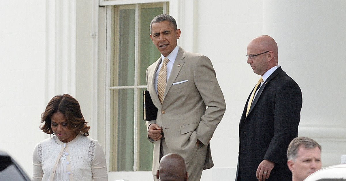 How many acts of treason must @realDonaldTrump commit before it rises to the level of @BarackObama wearing a fukin tan suit?