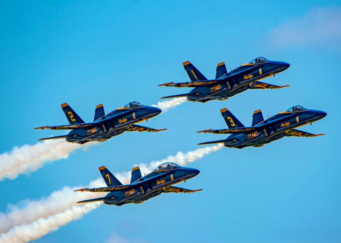 Now arriving — the @BlueAngels! Tonight between 6-7 p.m., keep an eye to the sky as the elite @USNavy squadron flies over our city.