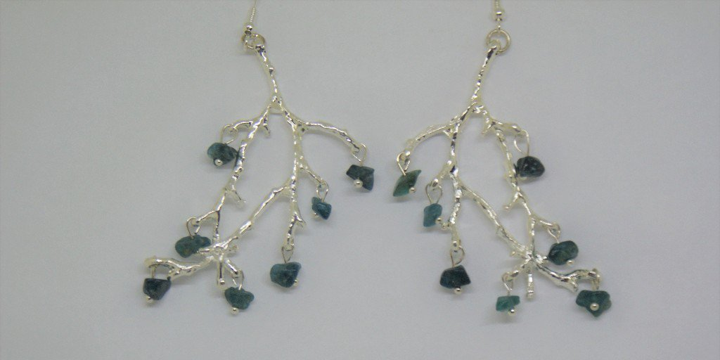 Real eye catching earrings, I have added deep teal apatite gemstone chips to these stunning silver plated twig earrings.    https:// etsy.me/2Nt2uYM      #flockbn #atsocialmedia #onlinecraft #UKCraft #eshopsuk #twda #handmade<br>http://pic.twitter.com/YdTPPJ8kjZ