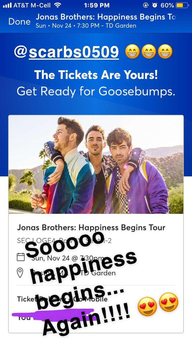 Hey @jonasbrothers  we're coming for you again!!! 😍😍😍😍 @scarb0509 @joejonas @nickjonas @kevinjonas #HappinessBegins #round2