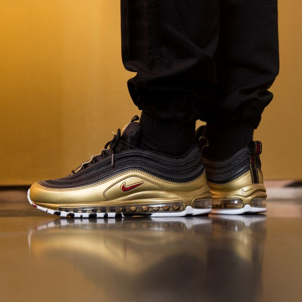outfit air max 97 black and gold