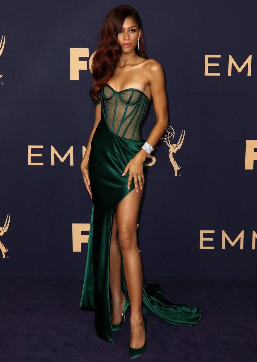 Zendaya at the 2019 #Emmys 💚