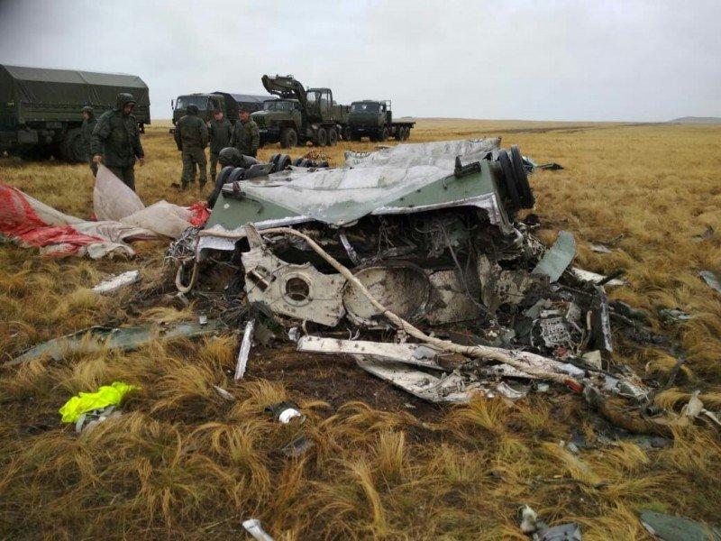 سقوط المدرعة BMD-2 في تمرين للجيش الروسي EFGFIYZWkAEz6i8
