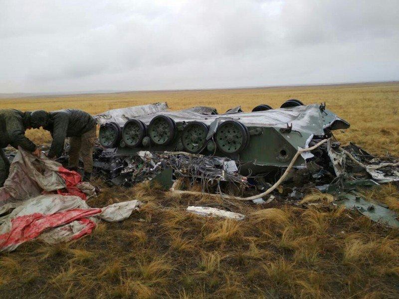 سقوط المدرعة BMD-2 في تمرين للجيش الروسي EFGFIYgXUAE3CkB