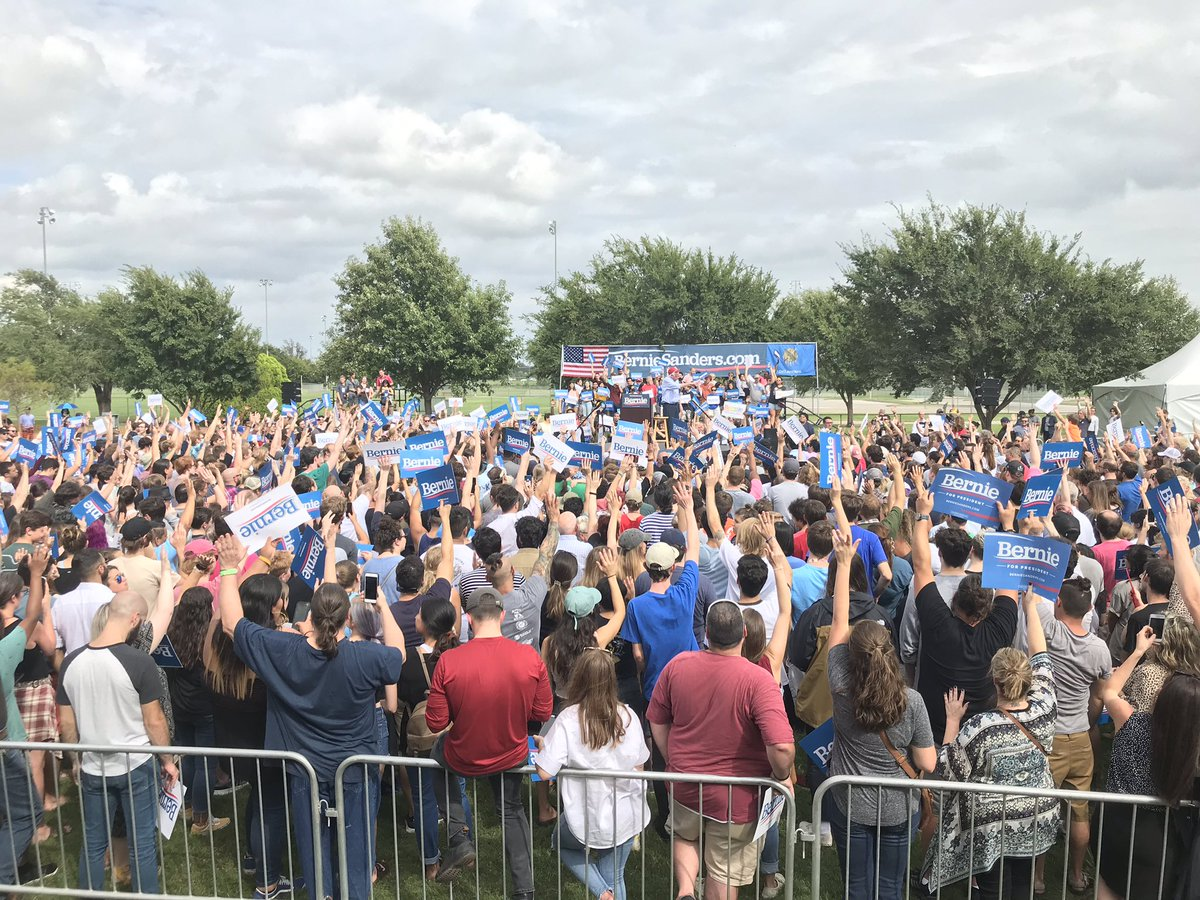 Many hands go up when Sen. @BernieSanders asks how many people know someone arrested for the possession of marijuana. Under a Sanders administration, he says he will expunge the records of anyone arrested for marijuana possession.