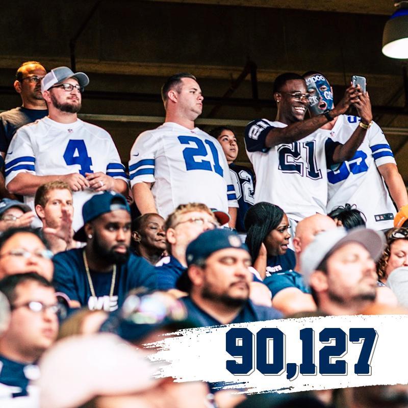 Today's @ATTStadium attendance.  Thank you, #CowboysNation! #MIAvsDAL <br>http://pic.twitter.com/Ji1bBpkiA4