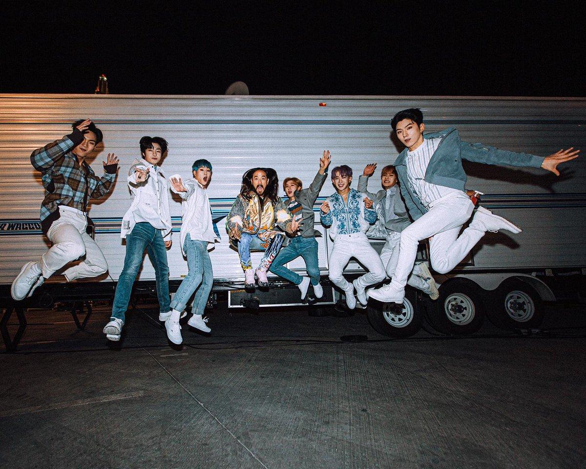 #aokijump #1015. The Aoki x @OfficialMonstaX #playitcool Jump. @iheartfestival Las Vegas sept 2019