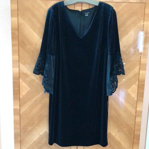 So good I had to share! Check out all the items I'm loving on @Poshmarkapp #poshmark #fashion #style #shopmycloset #tahariasl #victoriassecret #bananarepublic: https://posh.mk/HDJfhHCRUYpic.twitter.com/Ri0IKG5I08