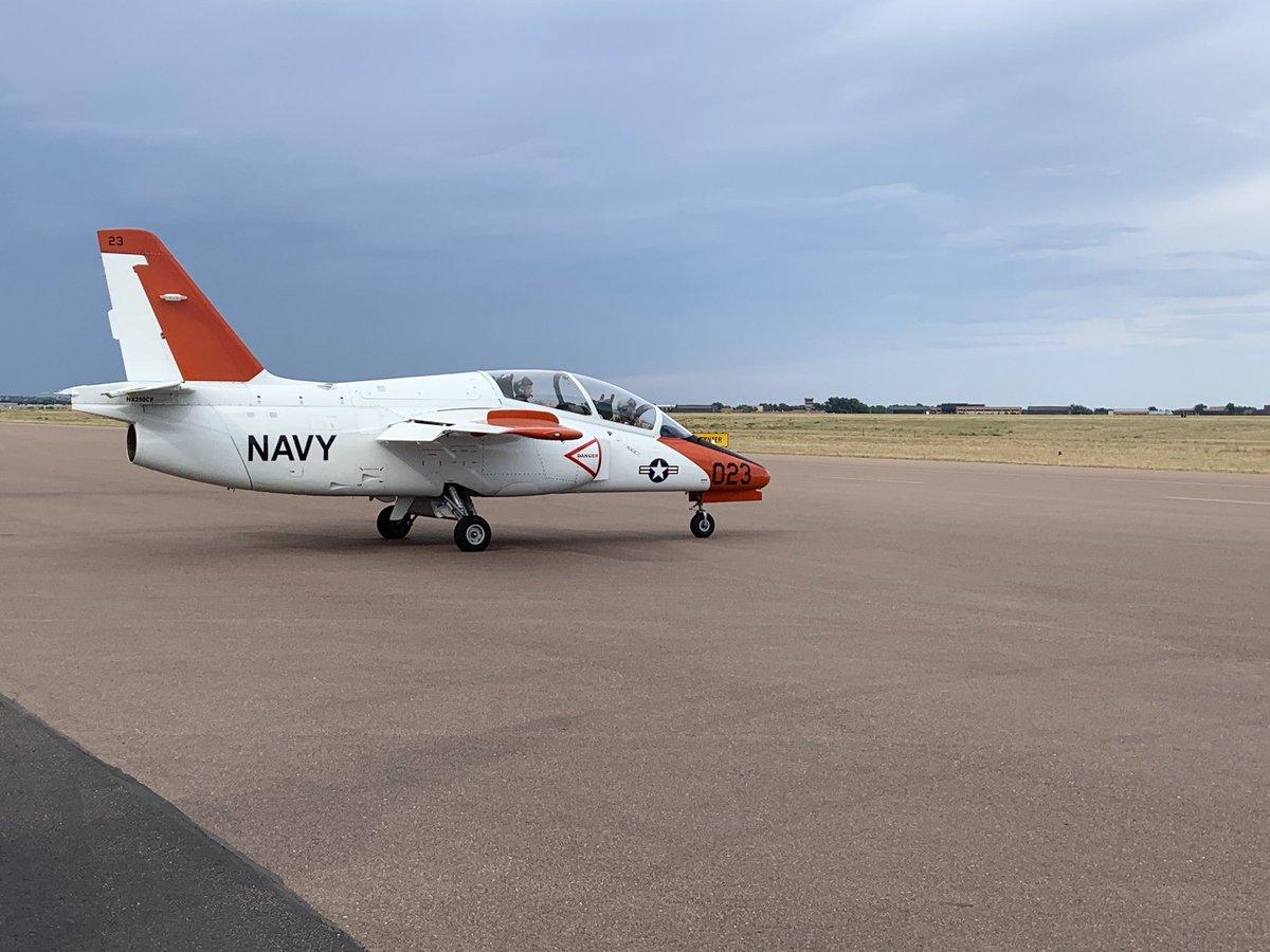 #jet #jetcrew #jetpilot #jetramses #crew #crewlife #crewlife✈ #crewlifestyle #crewlife✈️ #pilotos #pilotoramses #colorado #navy #jetnavy – at Colorado jetCenter (COS)