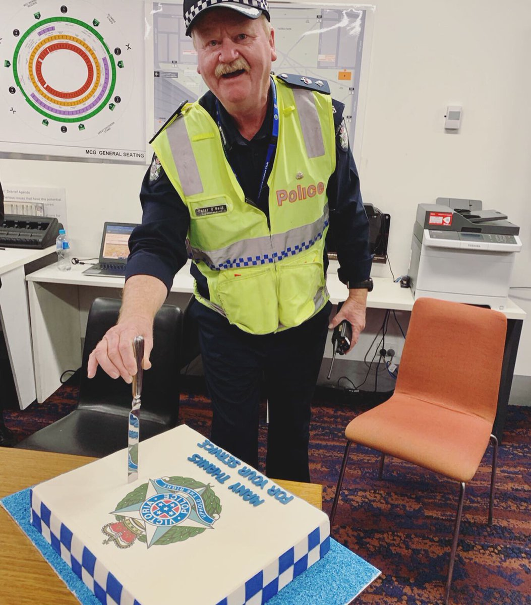 Superintendent Peter O'Neill completed his final shift at the MCG on Saturday. He will be retiring after 46 years of service.  To his surprise, the @MCG provided a cake to thank him for coordinating police presence at MCG events.  <br>http://pic.twitter.com/aXpmtACBSX