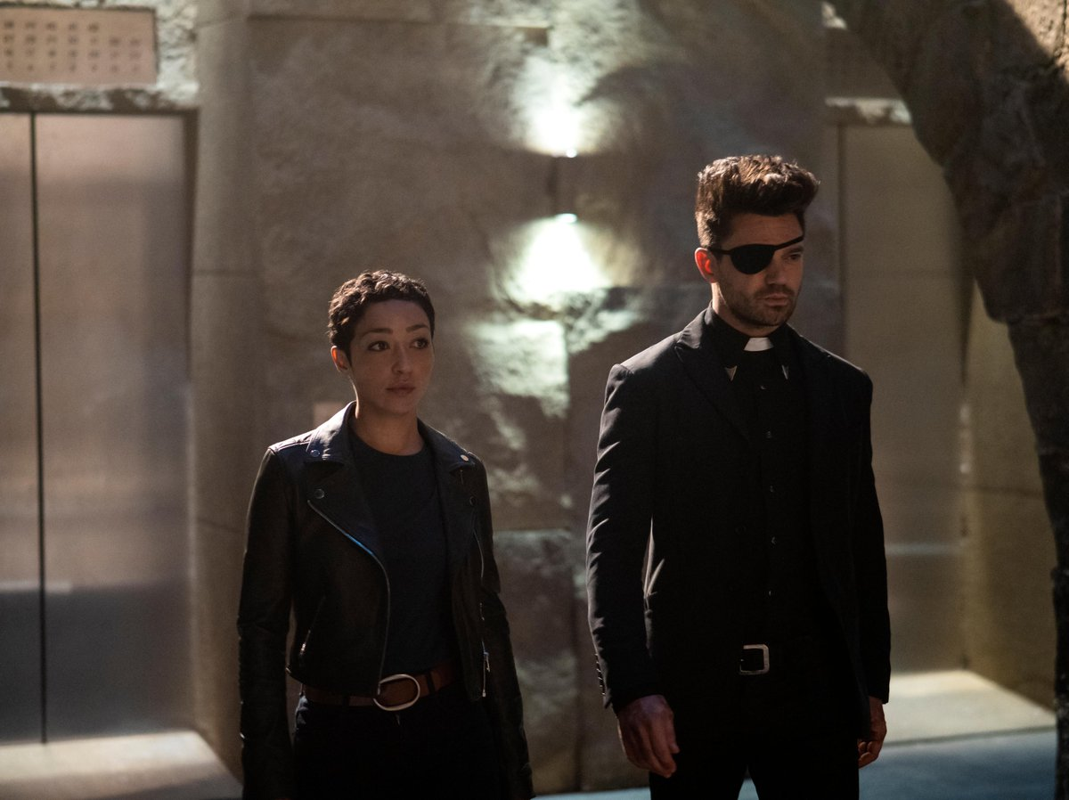 RETWEET if you're watching a NEW episode of #Preacher right now!<br>http://pic.twitter.com/sZBsQ1qvk1