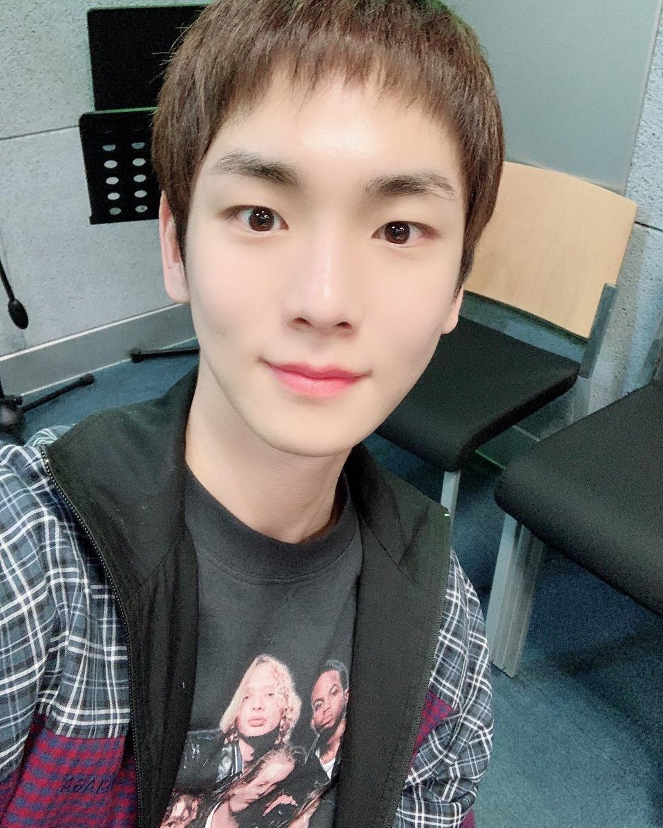 키 생일 축하해~♡♡♡ https://t.co/jfttjTXRvJ