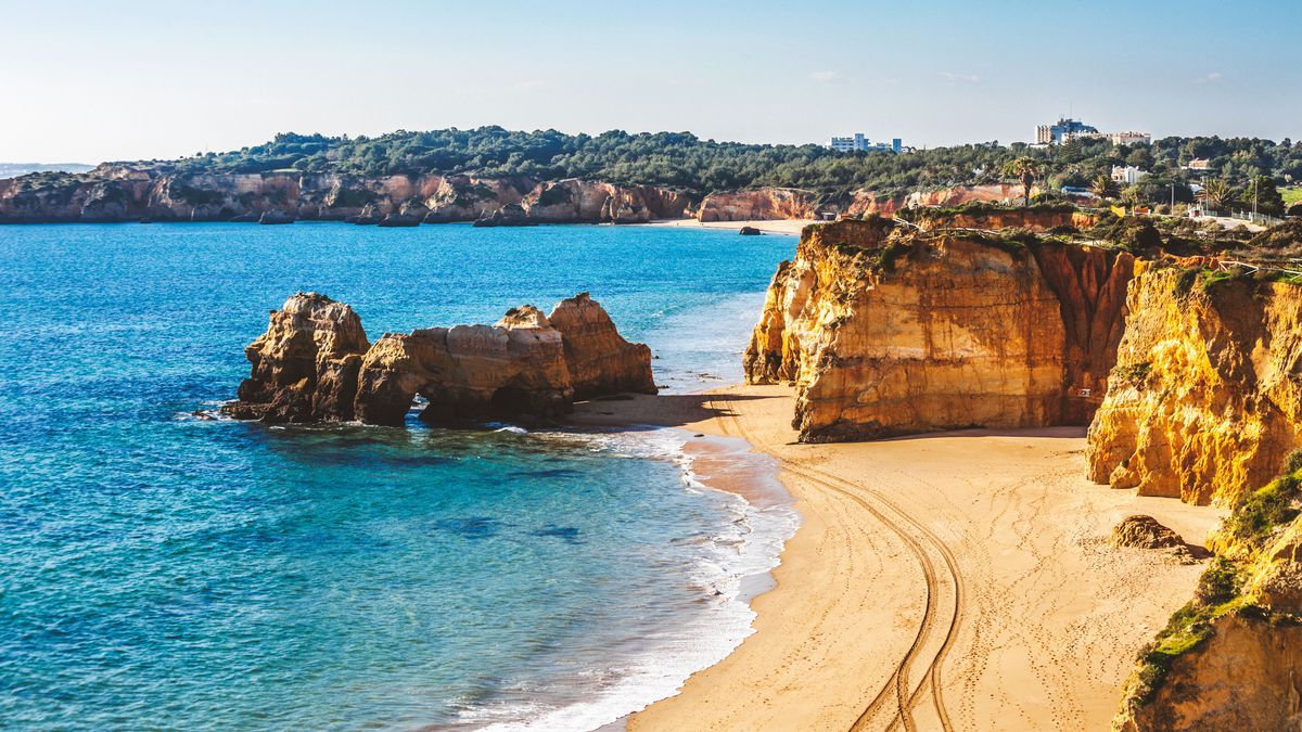 Super cheap winter sun holiday in the Algarve from £80pp - 7nts 3* hotel & flights http://dlvr.it/RDgnTD  #Motogp #F1 #Formula1 #quote #flying #Classics #Hamilton #GrandPrix