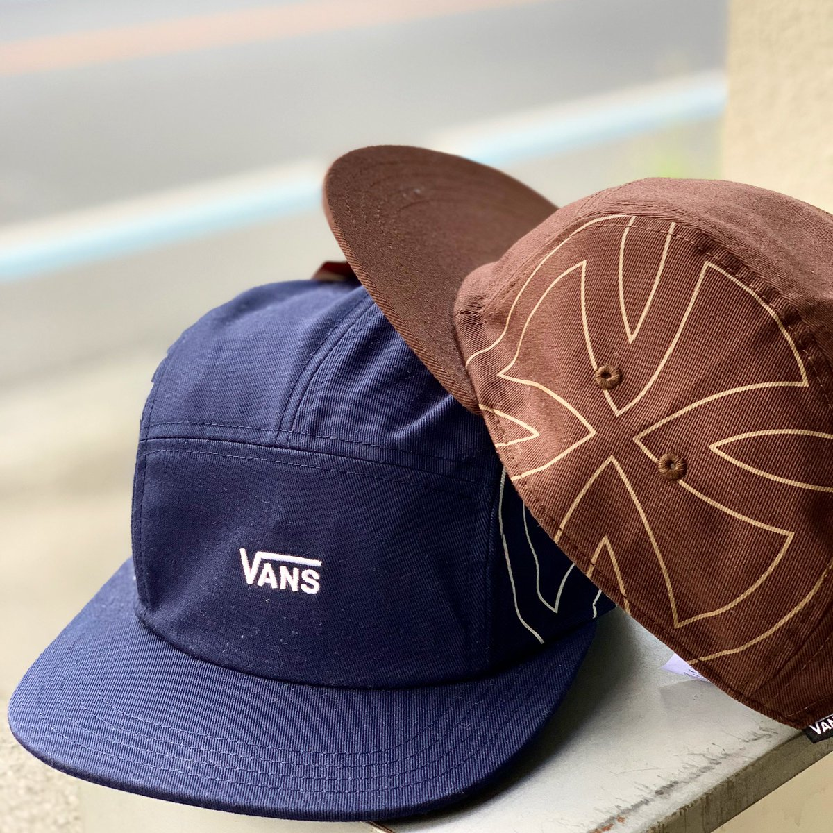 . VANS / INDEPENDENT CAMP CAP ¥5900+tax . アメリカ買い付けVANS🇺🇸 老舗トラックメーカー、インディペンデントとのコラボキャップ👌 . #mr_vibes #vans #ヴァンズ #independent #インディペンデント #cap #帽子 #kawagoe #川越 #本川越 #小江戸川越
