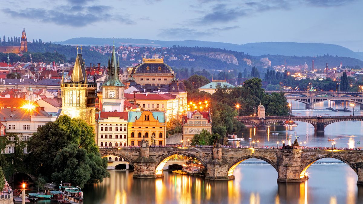 Prague in bargain style: 3nts from £77pp incl. hotel & flights http://dlvr.it/RDgc6r   #Motogp #F1 #Formula1 #quote #flying #Classics #Hamilton #GrandPrix