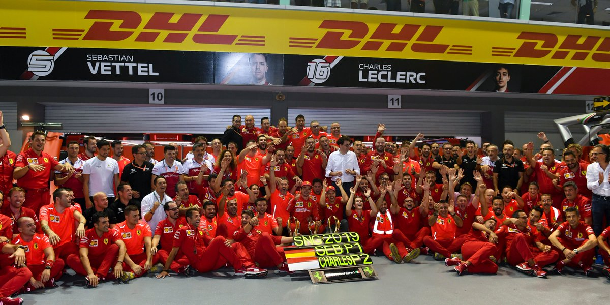 #MomentsThatDeliver ❤️💛 #F1 #SingaporeGP #DHLF1
