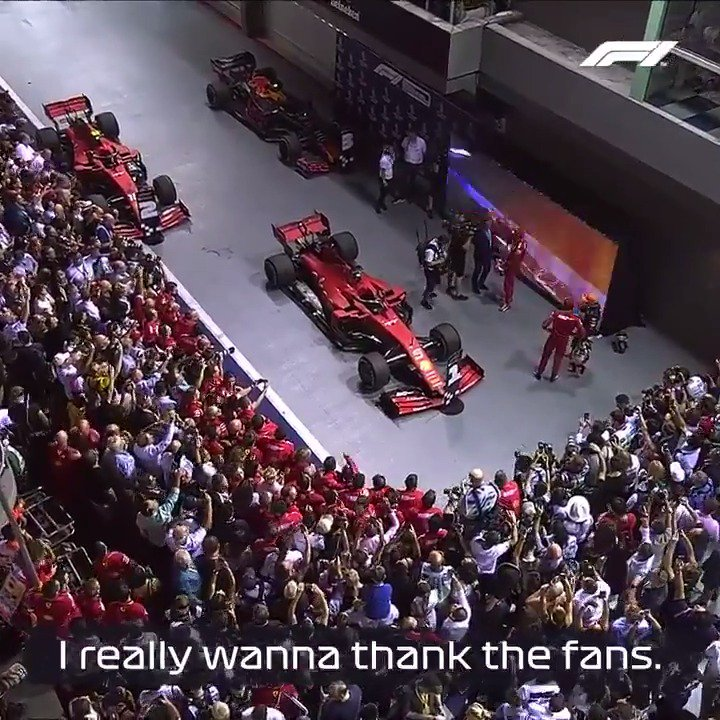Special driver 👊  Special fans 👏  Special moment 😍  #F1 #SingaporeGP @ScuderiaFerrari https://t.co/sfhMpQxUXX