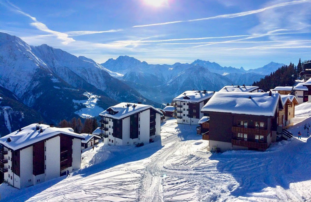 Winter in Europe can be magical! Ive put together a list of the most beautiful destinations in Europe where you can enjoy snow between December-February: bit.ly/2m59O0x Which is your favorite winter destination? #winter2019 #travelinwinter #winter