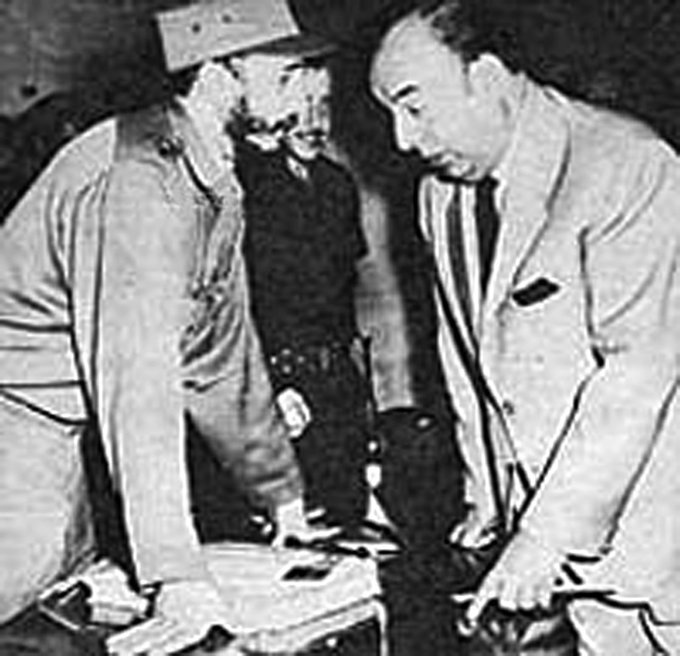 Aniversario luctuoso de Pablo Neruda, cantor de Fidel Castro EFJksAqXsAMhjec?format=jpg&name=small