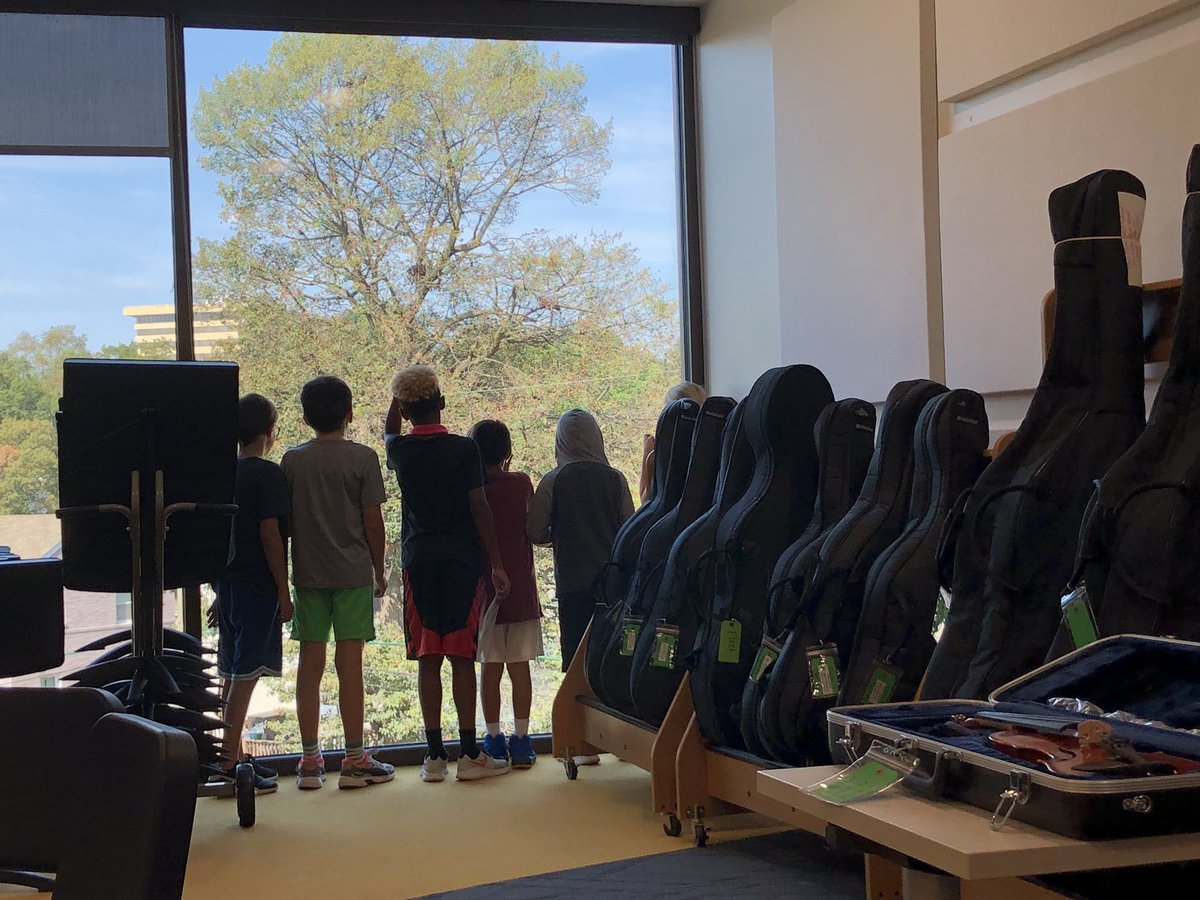 <a target='_blank' href='http://twitter.com/APS_FleetES'>@APS_FleetES</a> band students enjoying the view from our beautiful new instrumental music room! <a target='_blank' href='http://search.twitter.com/search?q=apsisawesome'><a target='_blank' href='https://twitter.com/hashtag/apsisawesome?src=hash'>#apsisawesome</a></a> <a target='_blank' href='http://twitter.com/APSFacilities'>@APSFacilities</a> <a target='_blank' href='http://twitter.com/Principal_Fleet'>@Principal_Fleet</a> <a target='_blank' href='https://t.co/apYZFQC7ng'>https://t.co/apYZFQC7ng</a>