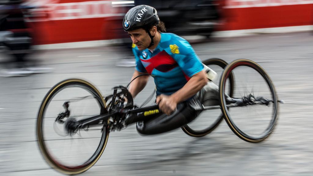 Fantastico Zanardi, nuovo record mondiale: la carr...